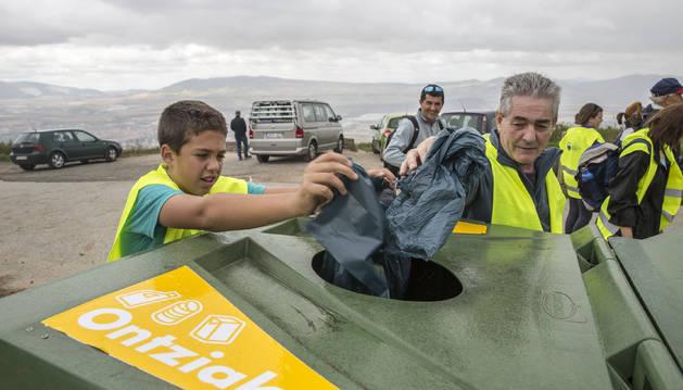 Voluntarios por un Ezkaba más verde