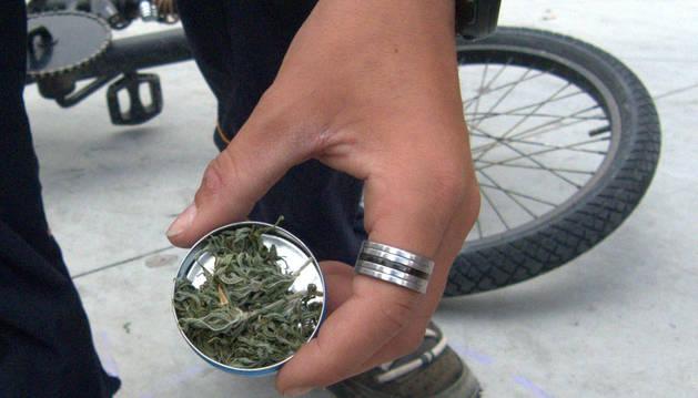Denuncian a 17 jóvenes en la campaña de control de drogas en colegios