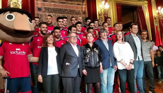 Comitiva de los jugadores desde El Sadar hasta el centro de Pamplona.