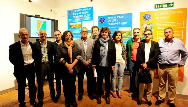 Autoridades municipales y forales participaron en la inauguración.