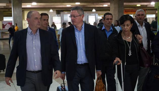 Gallardón llega a Venezuela para asistir a la audiencia de Leopoldo López