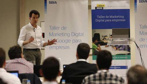 El programa 'Activa tu negocio' proporciona a los empresarios talleres presenciales y online.