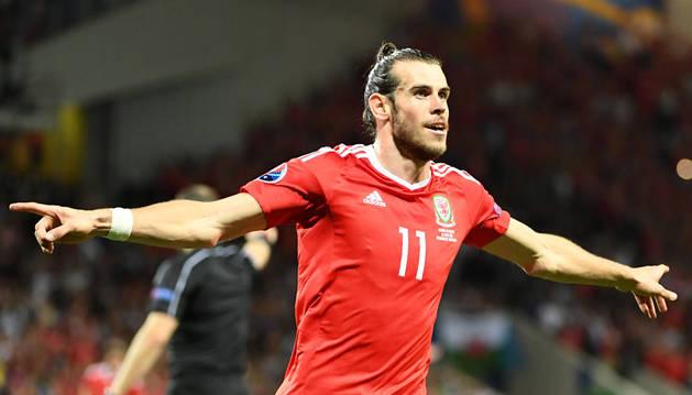 Ramsey y Bale 'machacan'  a Rusia