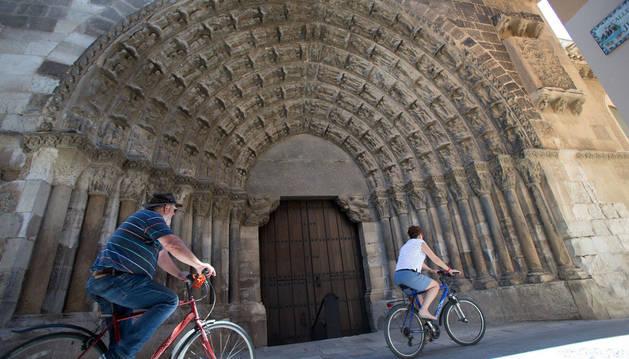Imagen de la Puerta del Juicio de la Catedral de Tudela, acceso principal al templo de la capital ribera.