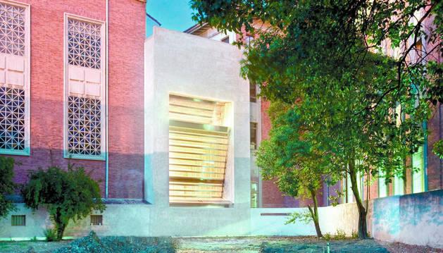 Aspecto exterior de la capilla, vista desde el patio situado entre las calles Bergamín y González Tablas.