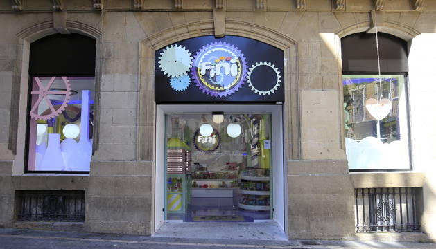 El antiguo Banesto de la calle Calceteros se convierte en una tienda de golosinas
