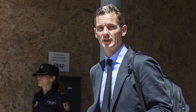 Iñaki Urdangarín, a su salida de la Escuela Balear de la Administración Pública (EBAP) de Palma.