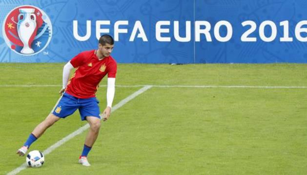 Álvaro Morata, durante un entrenamiento con la selección.