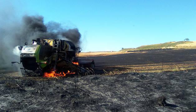 Dos incendios queman campos sin cosechar en Allo y Domeño