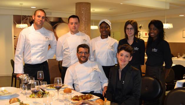 Hosteleros de La Rioja reflotan en San Adrián el emblemático restaurante Ríos