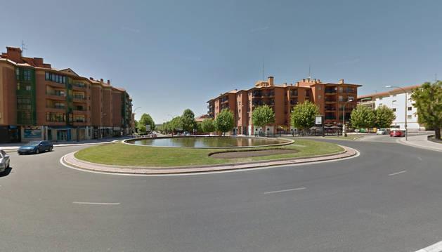 Fuente en la plaza del Descubrimiento de Ávila donde apareció el cadáver
