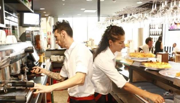La hostelería es el sector con mayor procentaje de empleos precarios.