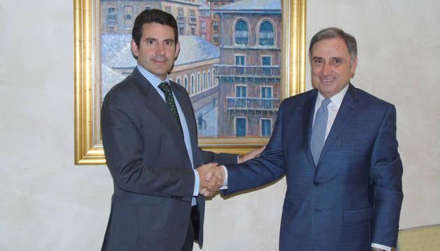 El presidente de CEN, José Antonio Sarría, y el director general de Elkargi, Marco Pineda