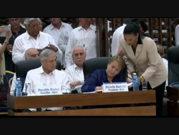 Colombia y las FARC firman el alto el fuego