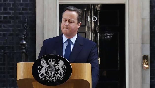 David Cameron anuncia su intención de dimitir