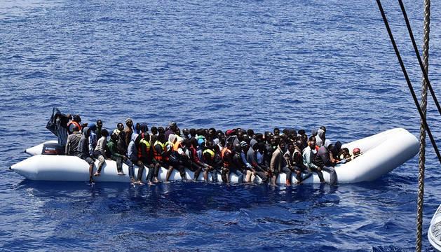 Rescatados más de 2.000 inmigrantes en el Mediterráneo