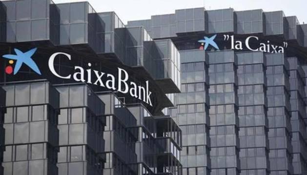 Vista de la sede de Caixabank, en Barcelona.