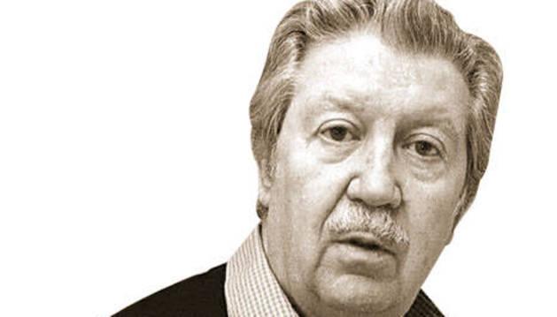 Manuel Alcántara.