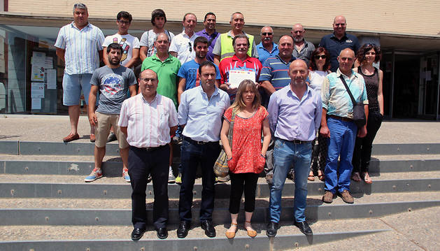 Los diplomados, junto a los organizadores del taller de agricultura ecológica.
