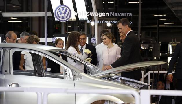 Visita de los Reyes a Volkswagen Navarra