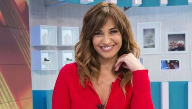 La presentadora de 'La Mañana', Mariló Montero, posa en el plato del programa.