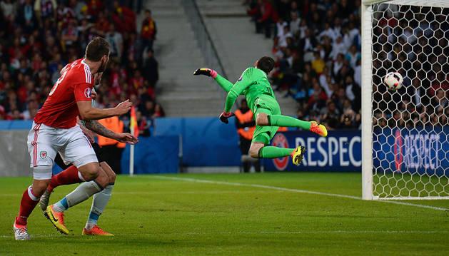 Gales se sube al tren de la sorpresa en la Eurocopa (3-1)