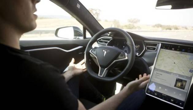 Interior del Model S de Tesla, mismo modelo que el vehículo accidentado.