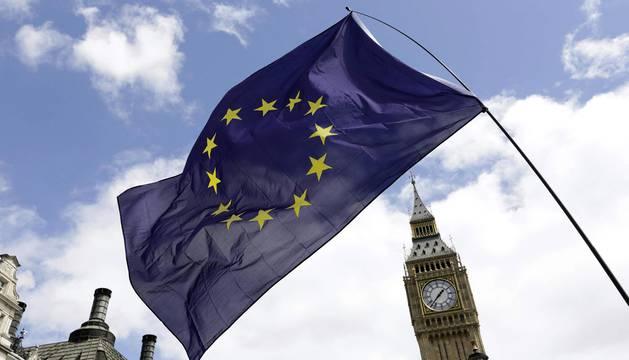 Miles de manifestantes protestan en Londres contra el brexit