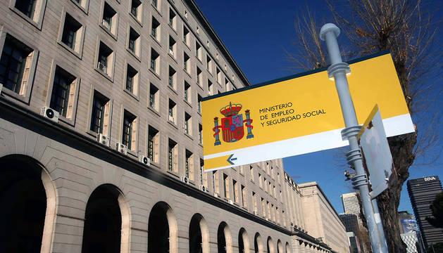 Fachada del Ministerio de Empleo y Seguridad Social.