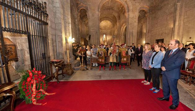 Los Reyes y Reinas de Navarra, homenajeados en Leyre