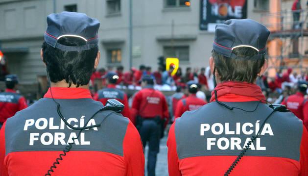 Agentes de Policía Foral durante los sanfermines