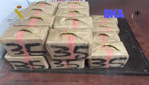 Imagen de algunos de los paquetes de droga.