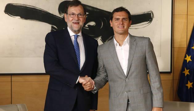 Rajoy y Rivera comienzan la reunión para sondear un acuerdo de investidura