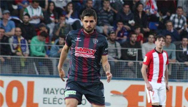 Fran Mérida durante un encuentro de esta temporada ante el Bilbao Athletic.