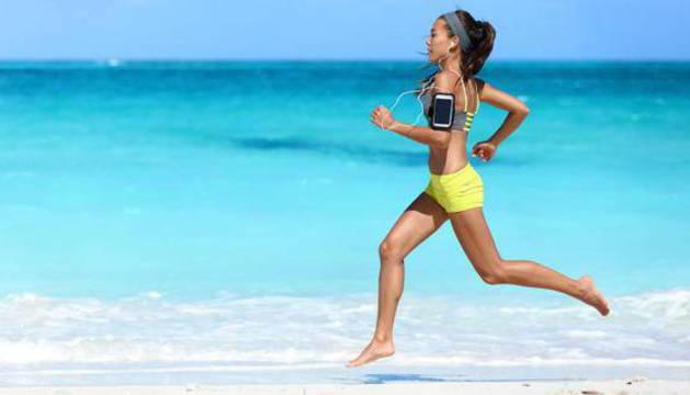 Lo ideal es entrenar por la mañana temprano o por la tarde, a última hora, cuando desciende la temperatura.