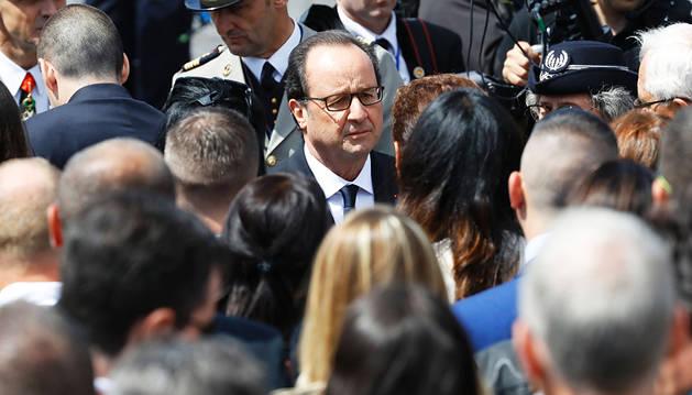 Hollande convoca un comité de crisis tras el ataque de Niza