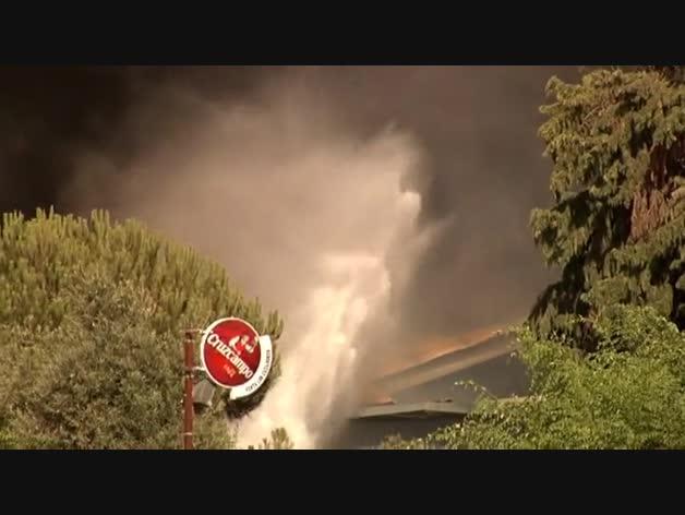 Incendio en la fábrica de aceite de Ybarra