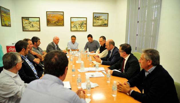 Representantes del Valle del Aragón en la reunión mantenida con el vicepresidente Ayerdi el pasado mes de mayo.