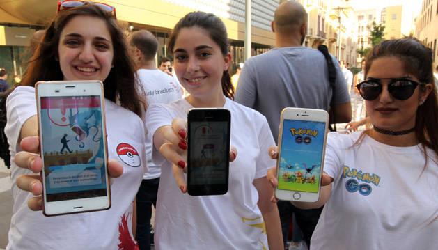 Dos jóvenes se cuelan en un parking de la Guardia Civil jugando a Pokémon Go