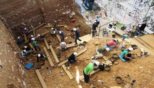 Trabajos en Gran Dolina, en los yacimientos arqueológicos de Atapuerca.