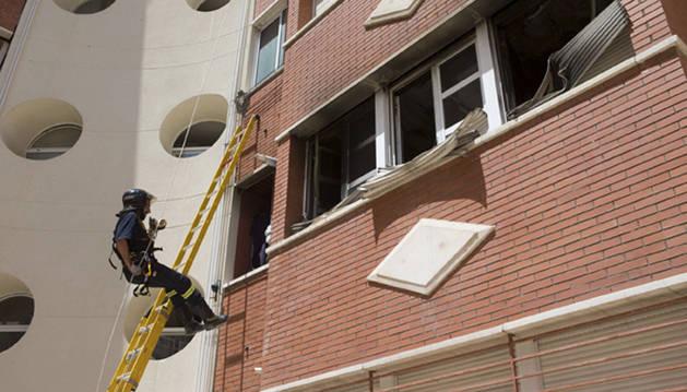 Una mujer de unos setenta años y con problemas de movilidad ha perdido la vida a consecuencia de un incendio originado en el salón de su vivienda en Zamora.
