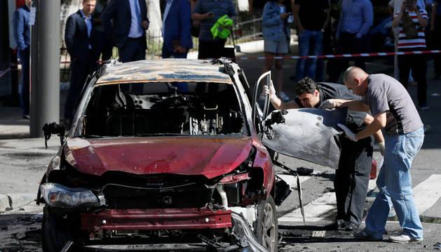 Muere un periodista al estallar el automóvil en que viajaba en el centro de Kiev