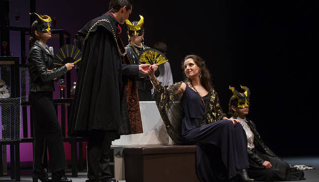 Imagen del grupo de teatro Mutis por el Foro, de la Universidad de Navarra.