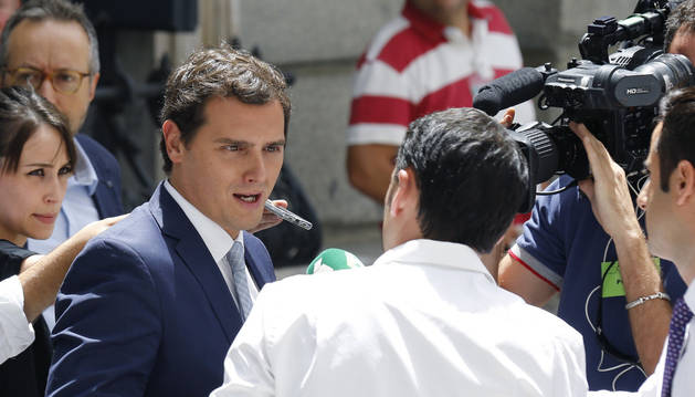 Rajoy aumenta la presión sobre Rivera para tener gobierno en agosto