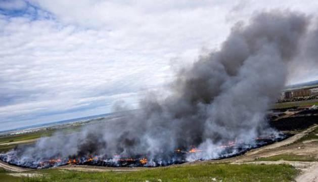 Nube provocada por el incendio de neumáticos de Seseña, en Toledo.