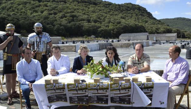Representantes de las instituciones organizadoras de las jornadas gastronómicas.