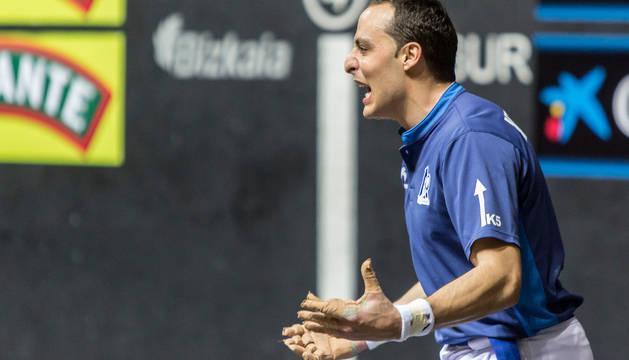 Juan Martínez de Irujo hace un gesto durante la final del Campeonato de Parejas 2016.