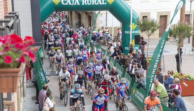Salida de la edición de 2015 de la marcha cicloturista Miguel Induráin.