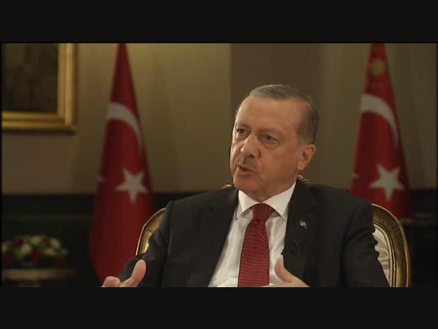 Erdogan saca pecho de sus medidas represivas tras el golpe