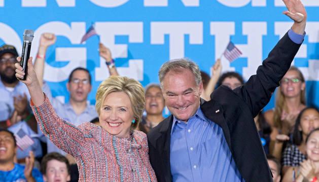 Hillary Clinton y el senador Tim Kaine.